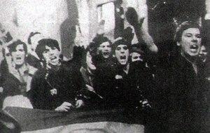 En primer término a la derecha, Felipe González
